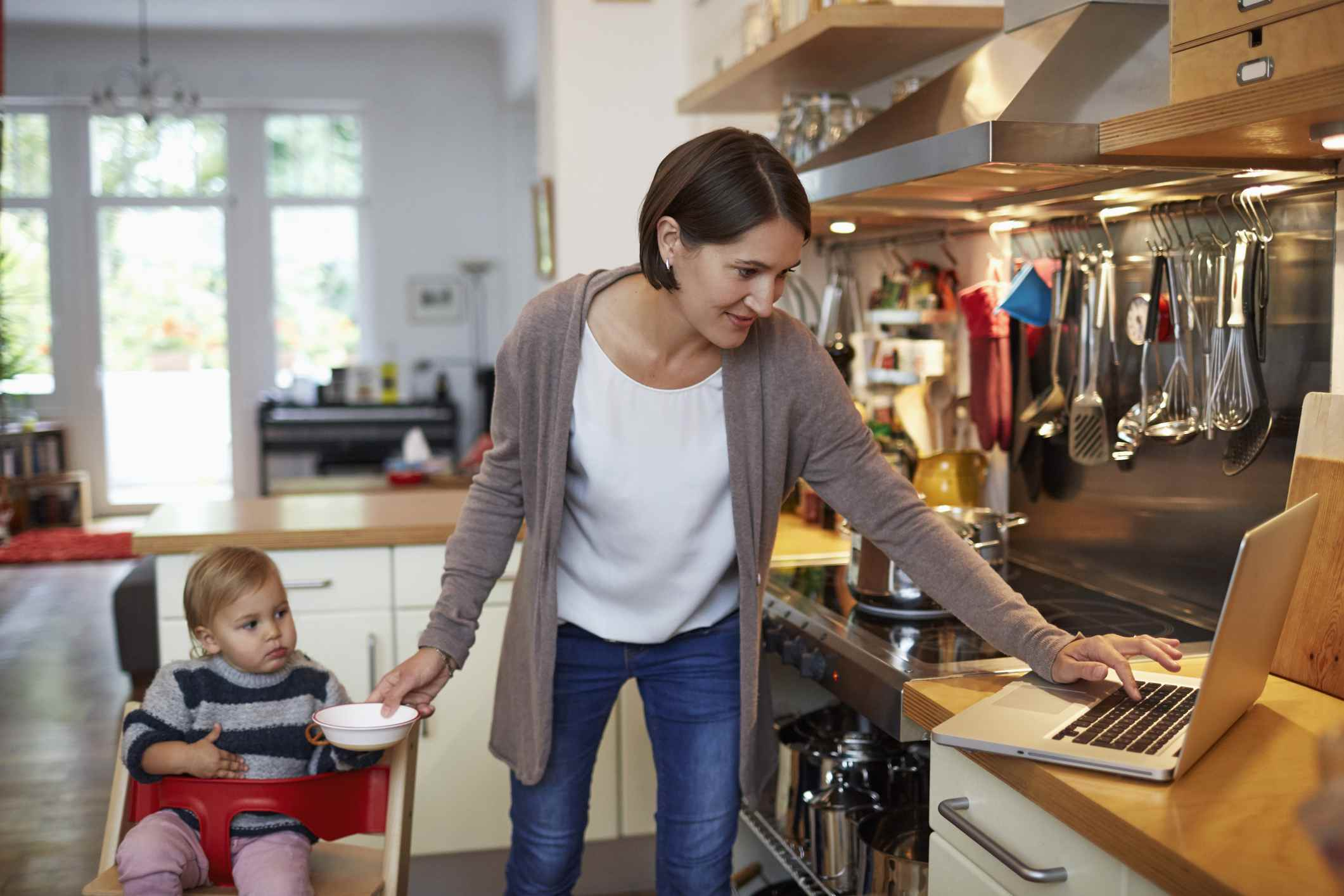Mothers Returning to the Workforce Need to Consider IT Bootcamps