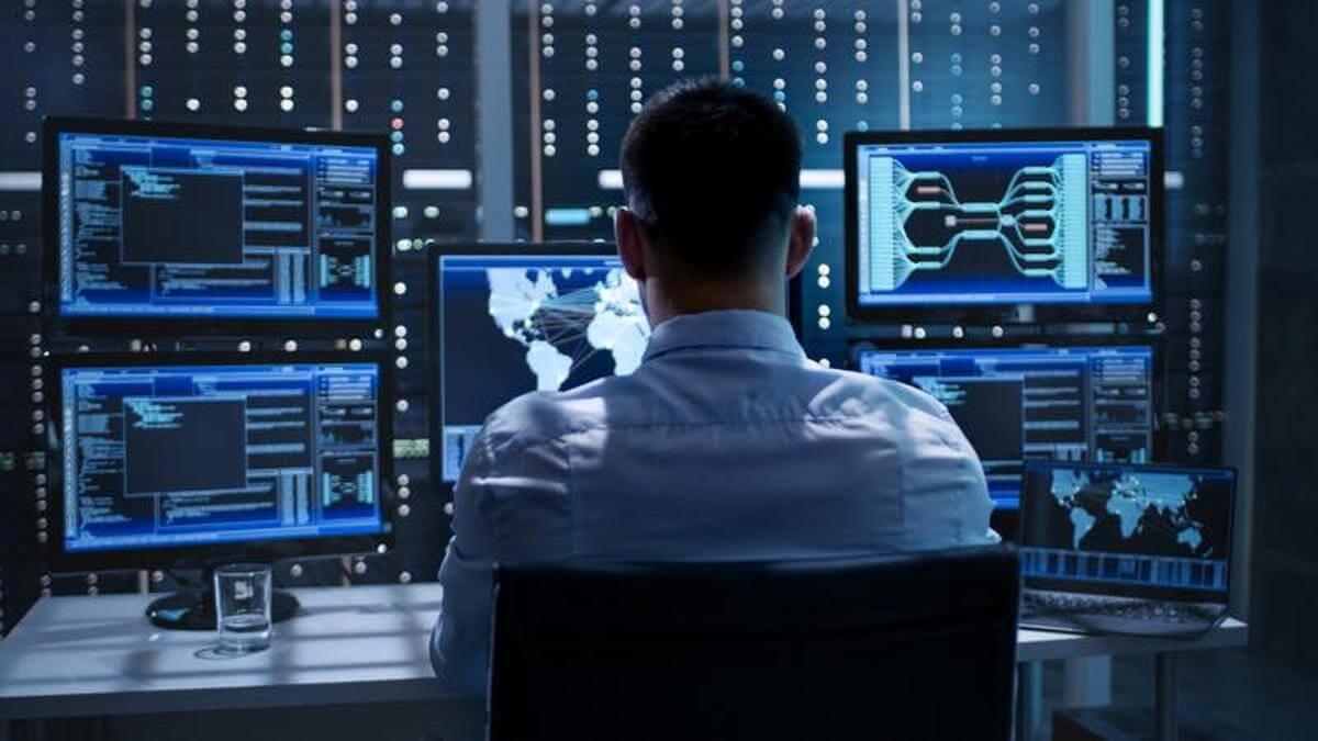 How to become a network security specialist