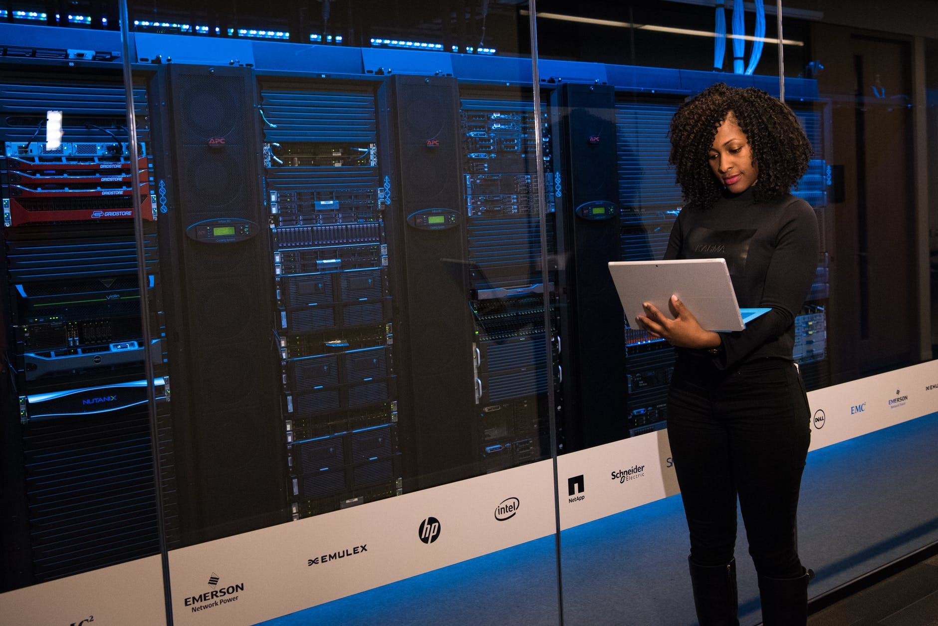Leverage Next-Gen Hybrid Cloud Data Storage Solutions with NetApp Training and Certification